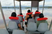 Paraiso Tropical Boat Passengers